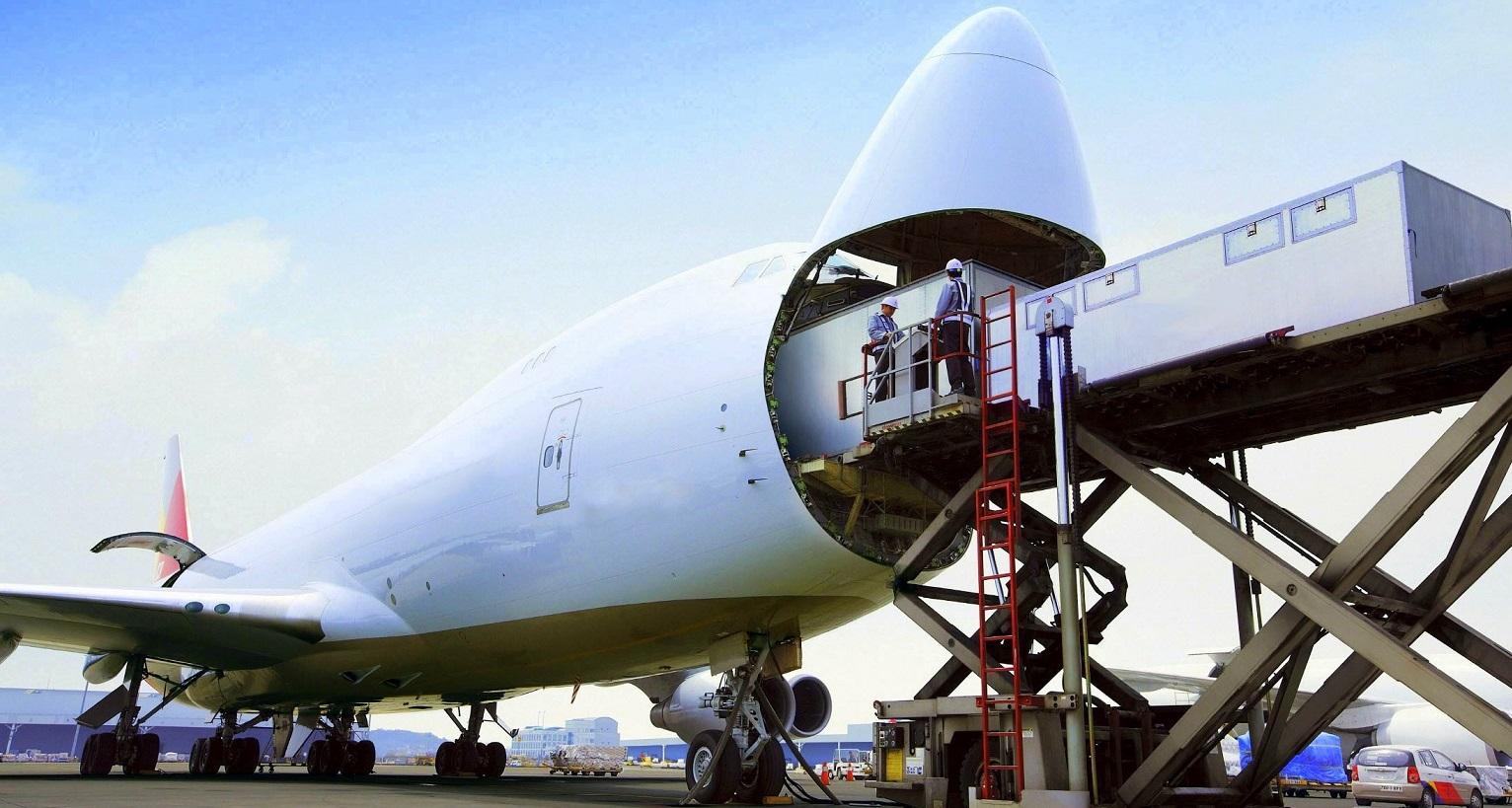 پست بین المللی یا حمل و نقل بین المللی کارگو